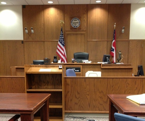 courtroom-144091_960_720