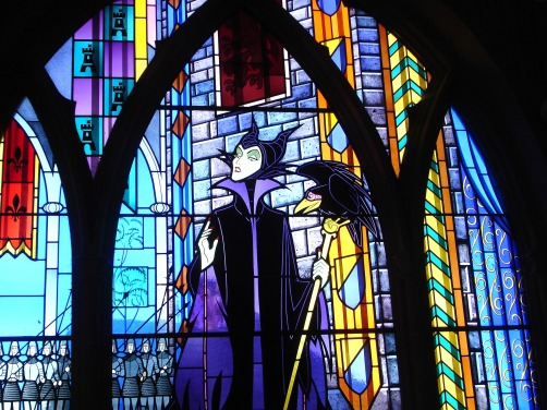 stained-glass-1788211_1920.jpg