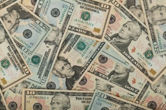 wealth-69524_1280.jpg
