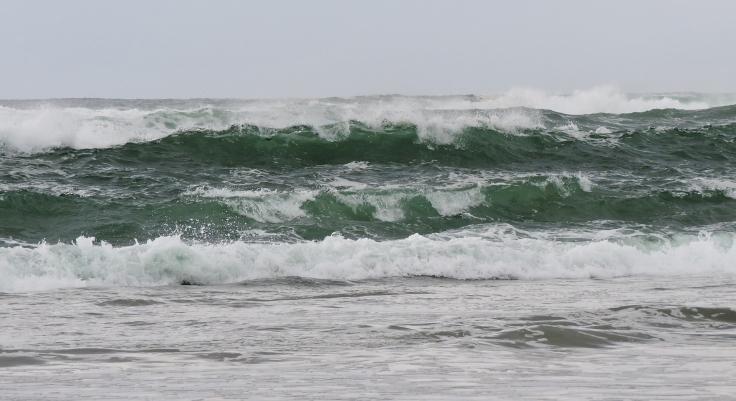 waves-1272417_1920.jpg