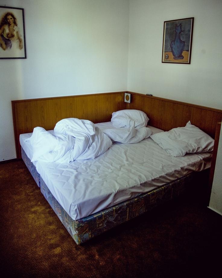 hotel-1439031_1920